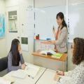 「日本語教師」の資格取得を目指すなら、30年超の実績を有するアークアカデミーで!
